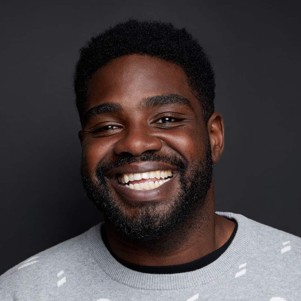 puffing-joints-wrestling-smacktalk-comedian-ron-funches-2